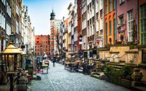 L'architecture de la rue Mariacka à Gdansk est l'une des attractions touristiques les plus notables à Gdansk. Banque d'images - 45364914